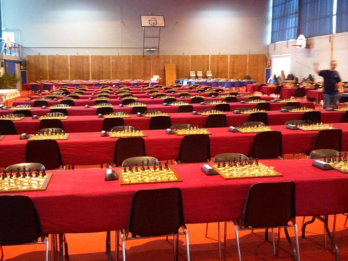 salle du tournoi : presque prêts